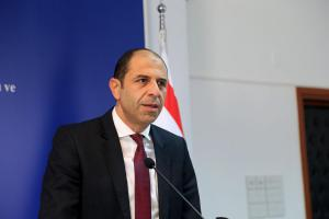 Minister Özersay gave a briefing to foreign Politicians and Parliamentarians (14 November 2018)