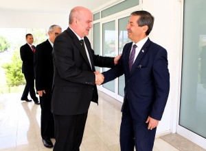 Ertuğruloğlu receives the Undersecretary of the Foreign Affairs Ministry of Turkey Feridun Sinirlioğlu and his accompanying delegation (5 May 2016)
