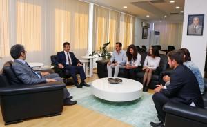 Dışişleri Bakanı Tahsin Ertuğruloğlu,Kıbrıs Amerikan Üniversitesi Siyasi Bilimler dekanı Ulvi Keser ve öğrencileri kabul etti  (10 Mayıs 2016)